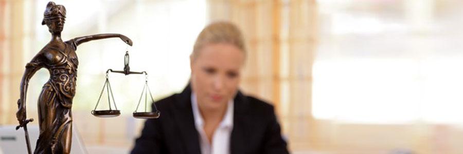 Child Custody Problems –  Should I Use a Divorce Attorney or a Mediator?